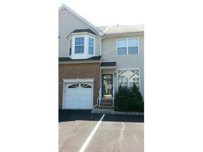 Single Family for rentals at 2 Saddle Ct  Franklin Twp, New Jersey 08873 United States