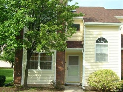 Condo / Townhouse for sales at 25 Woodlake Drive  Middletown, New York 10940 United States