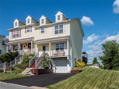 Condo / Townhouse for sales at 105 Evan Road  Warwick, New York 10990 United States