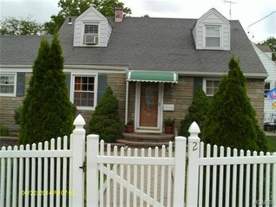 Single Family for sales at 2 Keystone Road  Yonkers, New York 10710 United States