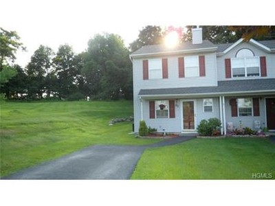 Condo / Townhouse for sales at 25 Nancy Court  Monroe, New York 10950 United States