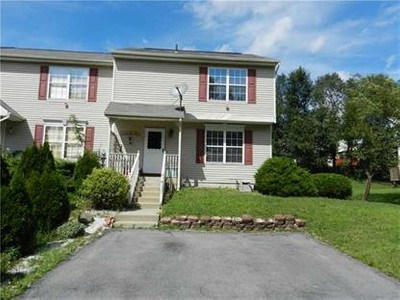 Condo / Townhouse for sales at 76 Darin Road  Warwick, New York 10990 United States