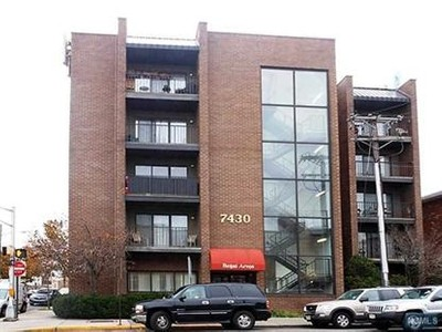 Condo / Townhouse for sales at 7430 Kennedy              Blvd  North Bergen, New Jersey 07047 United States