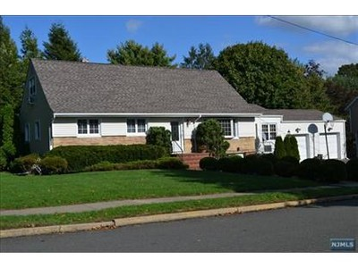 Single Family for sales at 5 Charles Pl  Old Tappan, New Jersey 07675 United States