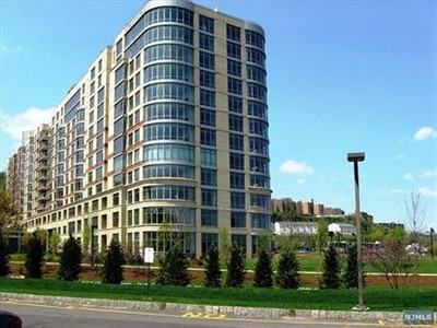 Condo / Townhouse for sales at 8100 River Rd  North Bergen, New Jersey 07047 United States