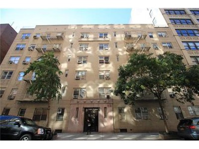 Condo / Townhouse for sales at 210 West 19th Street  New York, New York 10011 United States