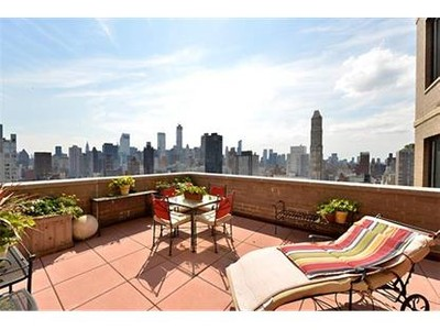Condo / Townhouse for sales at 400 East 70th Street  New York, New York 10021 United States