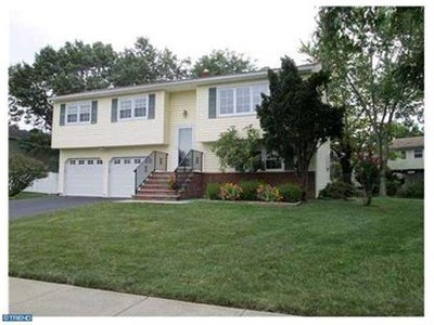 Single Family for sales at 15 Barbara St  Kendall Park, New Jersey 08824 United States