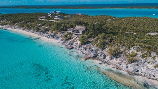 Beachfront Estate on Norman's Cay - MLS #35890: a luxury home for sale in  Exumas, , Exuma - Property ID:XS11496 | Christie's International Real Estate