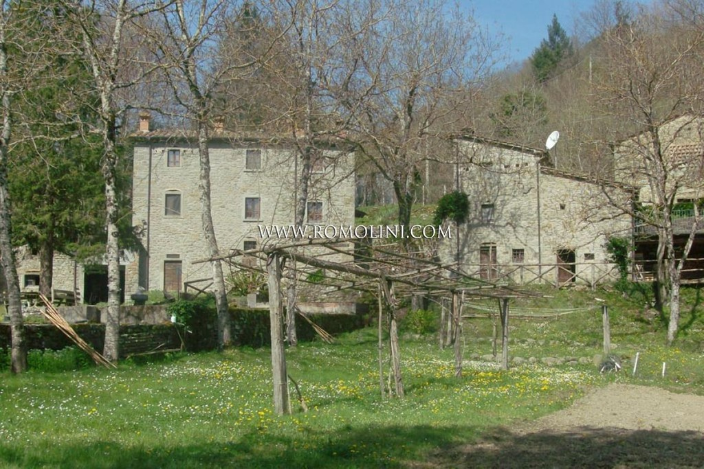 Tuscany Old Mill With Garden For Sale In Caprese Michelangelo A Luxury Home For Sale In Caprese Michelangelo Arezzo Property Id 1051