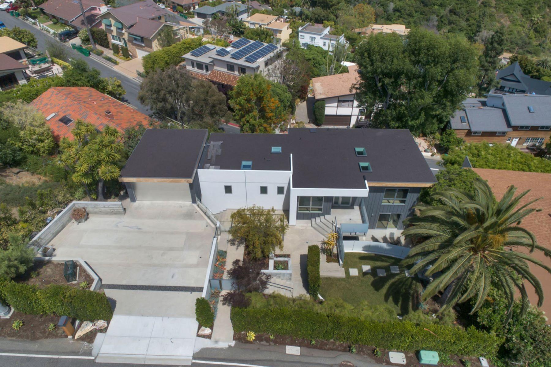 1395 Temple Hills Drive