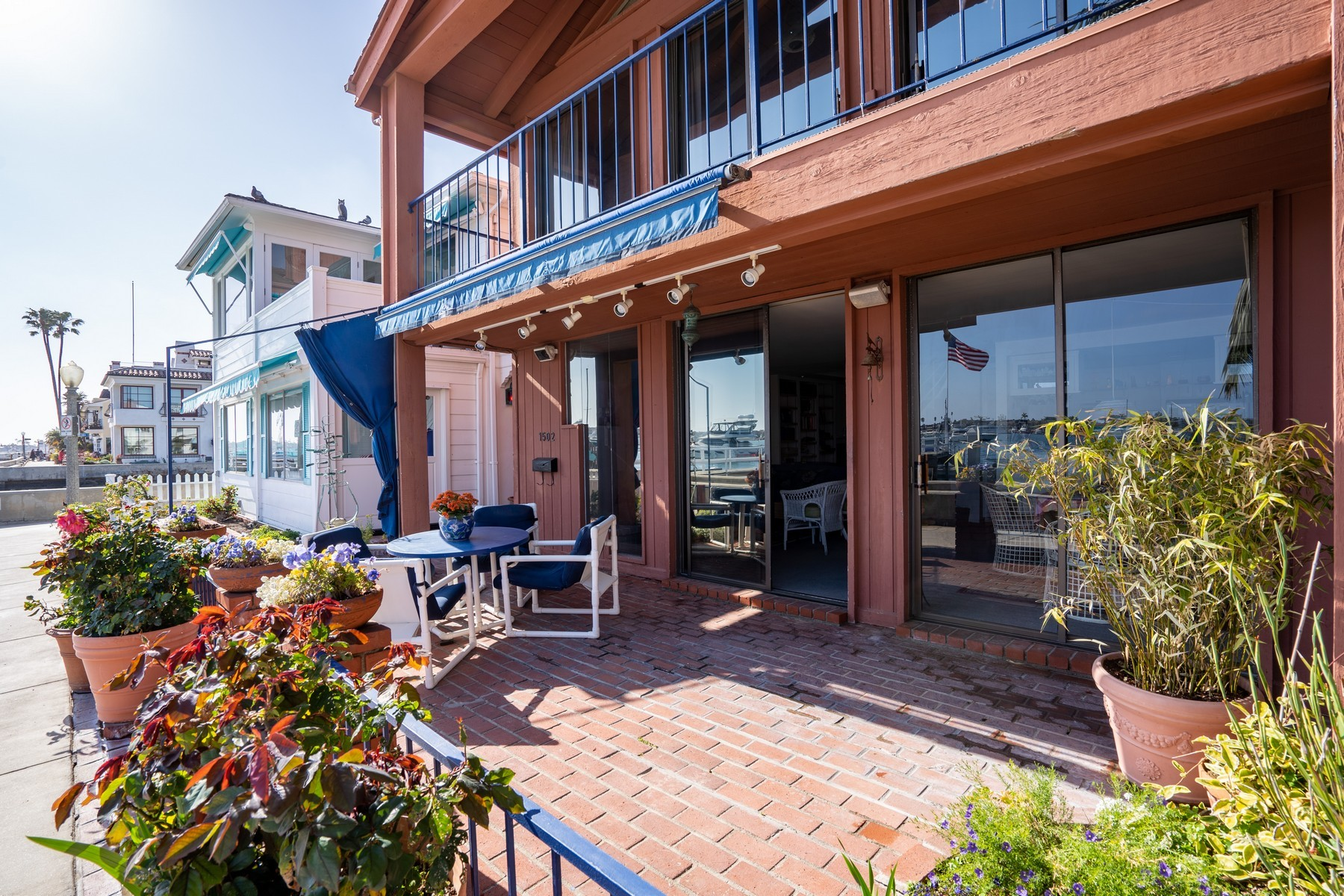 1502 S Bay Front