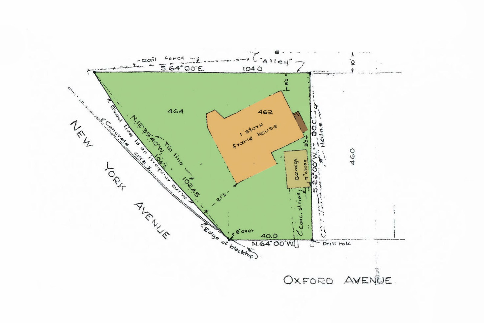 Single Family Homes for Sale at Shelter Island Heights Sweet Cottage 40 New York Avenue, Shelter Island Heights, NY 11964