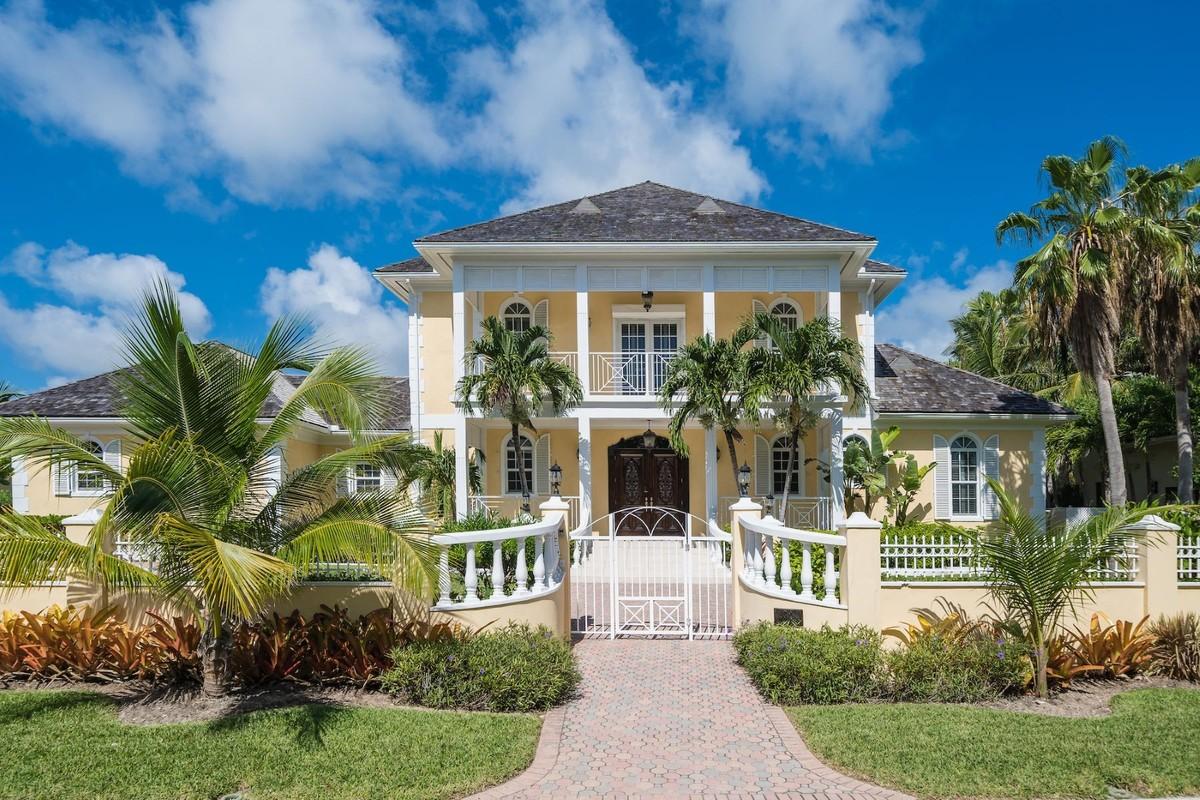 Lil One 28 Ocean Club Drive Paradise Island Nassau And Paradise Island Bahamas Luxury Home For Sale
