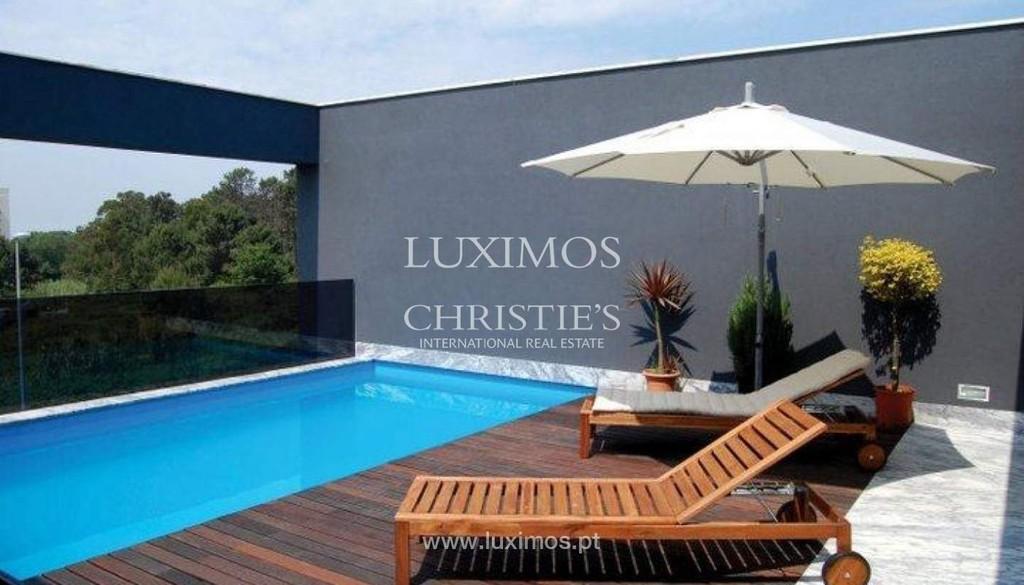 Maison moderne et de luxe à vendre, Porto, Portugal: une maison de luxe à à  vendre à [Search location] - ID de Propriété: CS02628