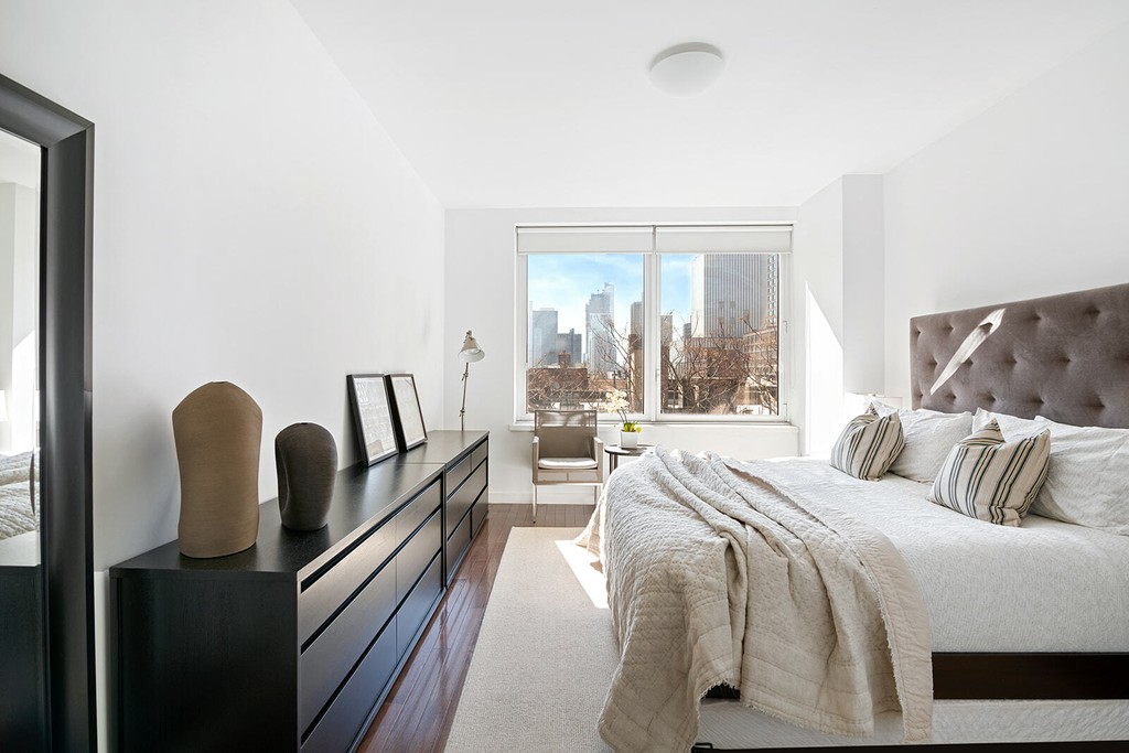 Hudson Hill Hell S Kitchen New York Condominium For Verkauf With 3 Bedrooms 2 Full Bathrooms And 1 Partial Bathrooms Christie S International Real Estate