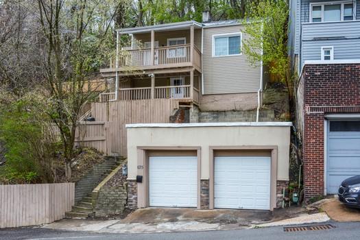 Ann Constantine Real Estate Associate, United Garage Door Pittsburgh