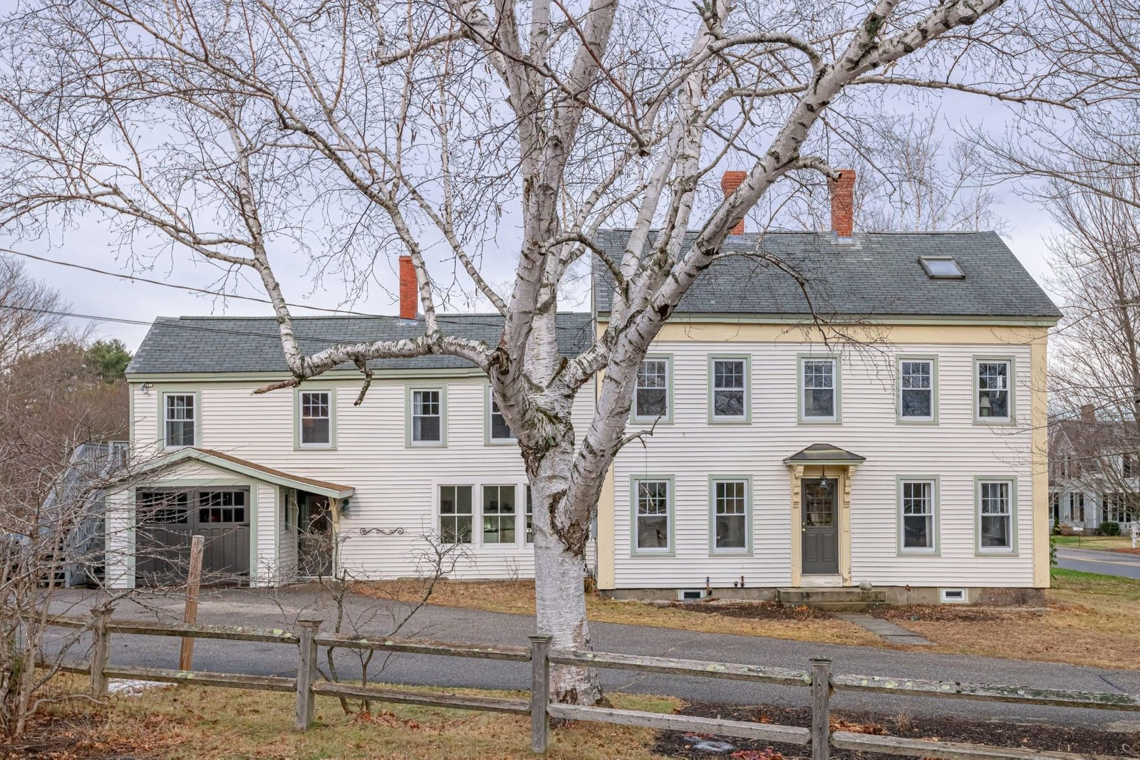 1. Single Family Homes for Sale at Yarmouth, ME 04096