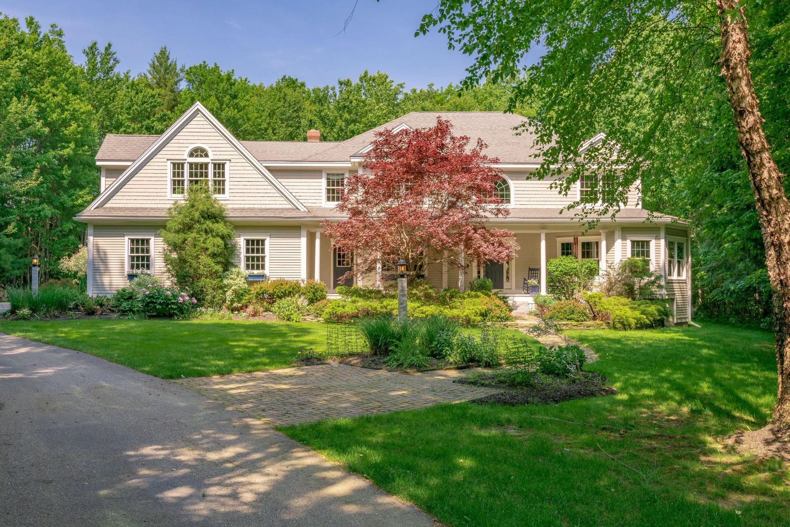 1. Single Family Homes for Sale at Falmouth, ME 04105