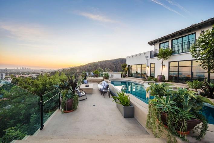 For sale house in los angeles сезонная работа в турции 2019