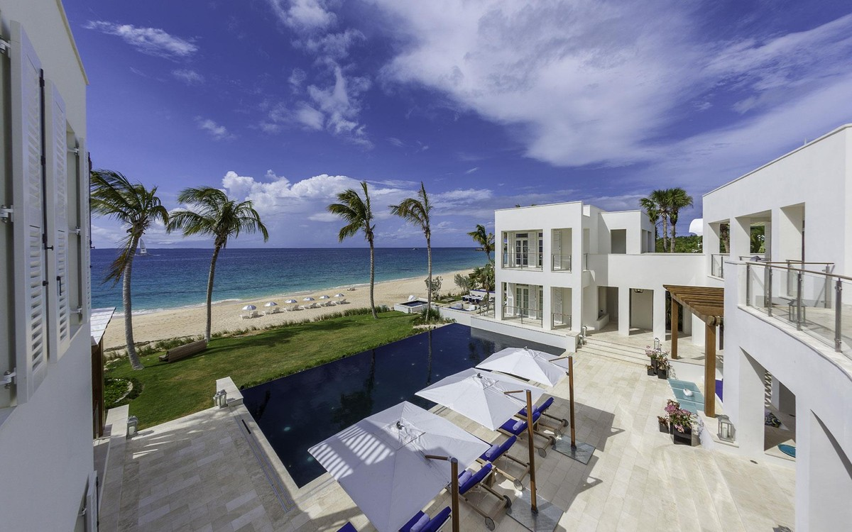 Beach Houses for Sale and Oceanfront Estates - Christie's