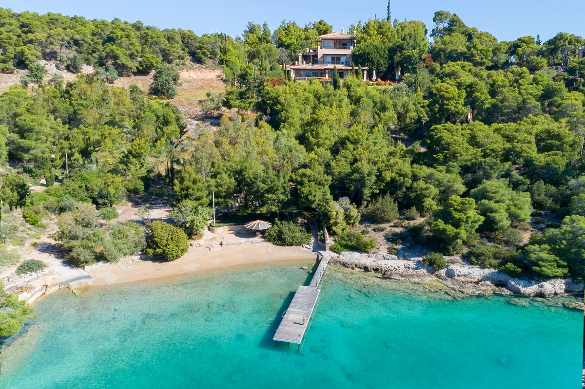 Beach Houses for Sale and Oceanfront Estates - Christie's International Real  Estate